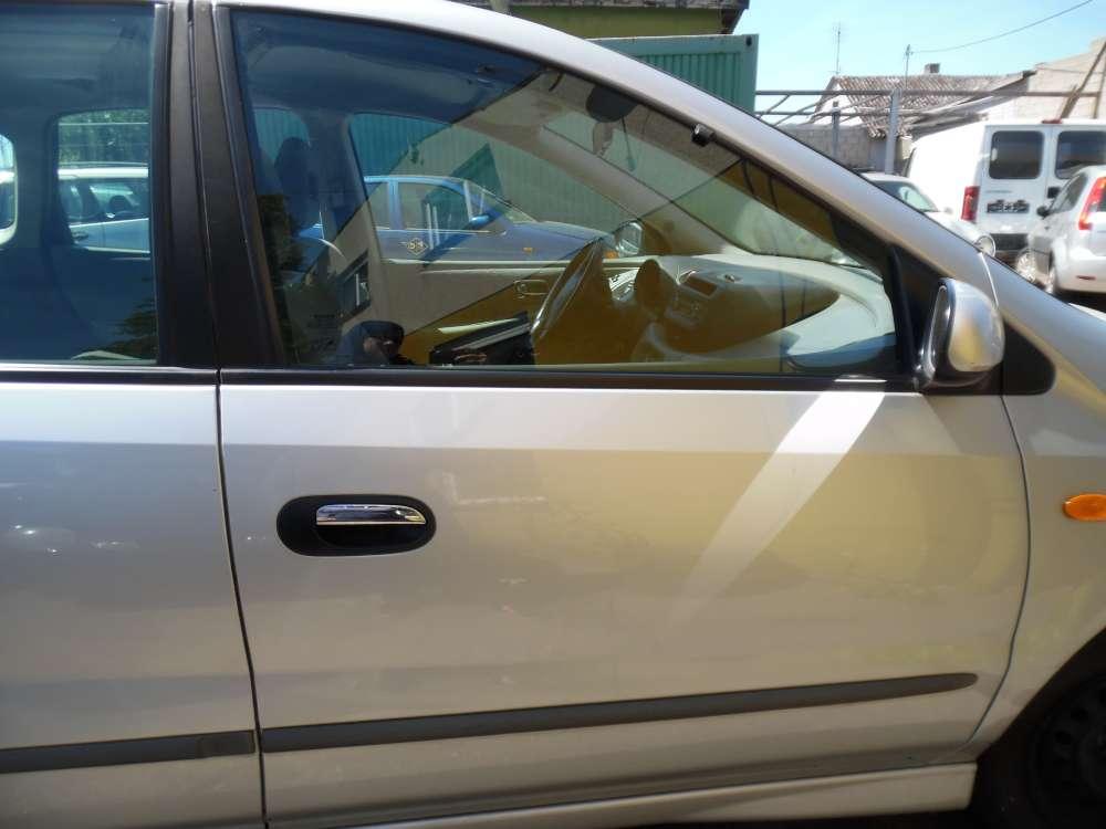 Nissan Almera Tino Tür Vorne Rechts silber Farbcod : KL0