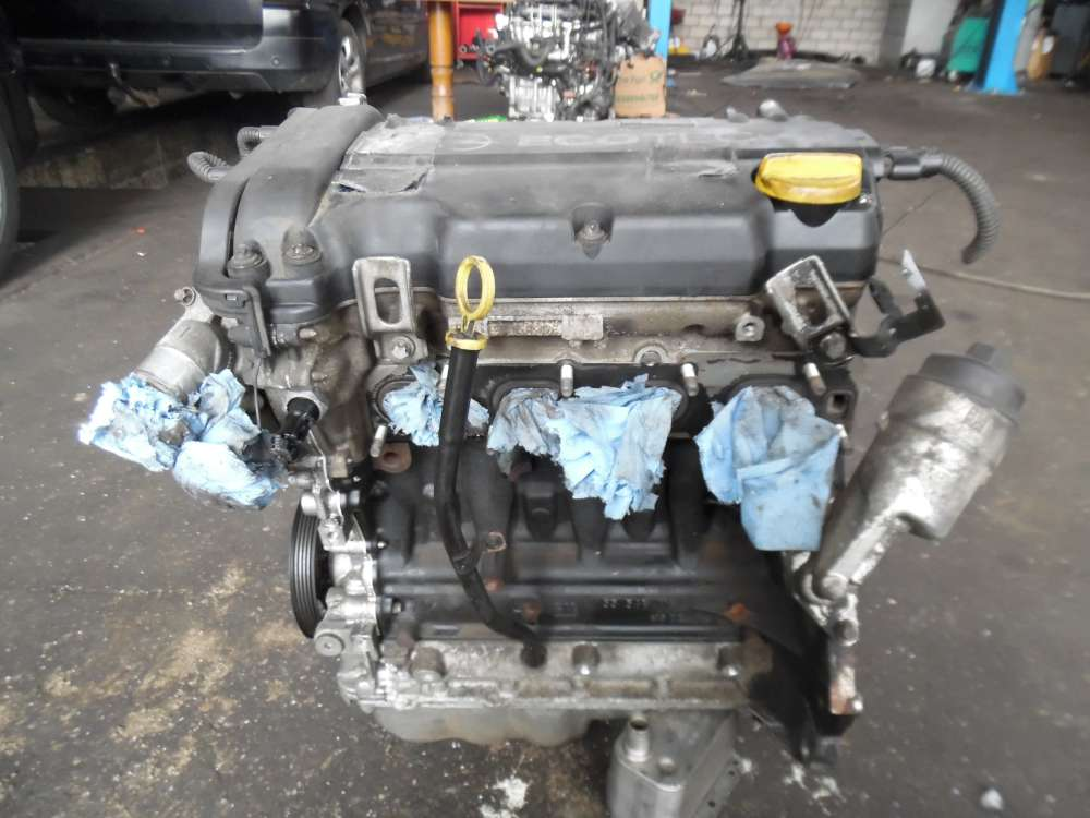Opel Corsa D 1.2L Bj:2009 Motor 152308KM 55569116 HG22