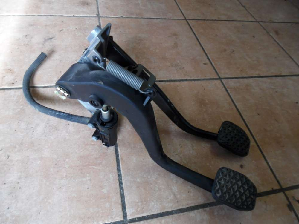 BMW E46 316ti Kupplungspedal Bremspedal Kupplungszylinder 1163870 2229128