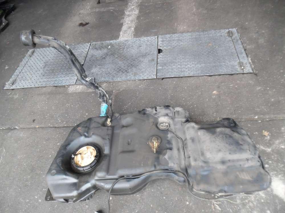 Peugeot 307 Tank Kraftstofftank und Kraftstoffpumpe mit Rohr