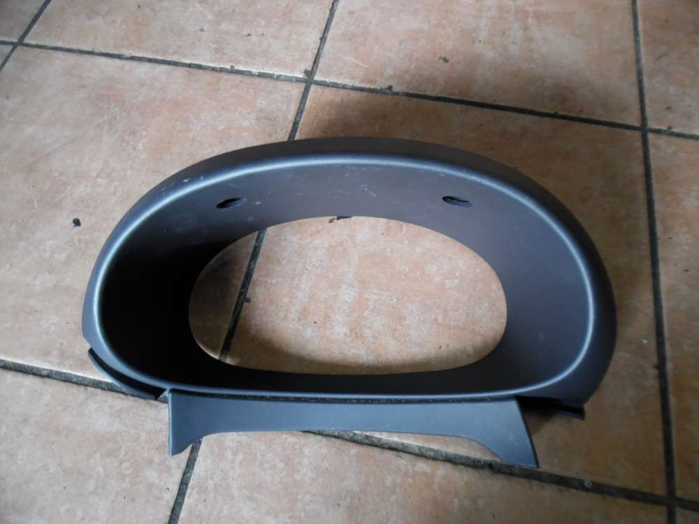 Nissan Almera Tino Veirkleidung Tacho 68240-BU200
