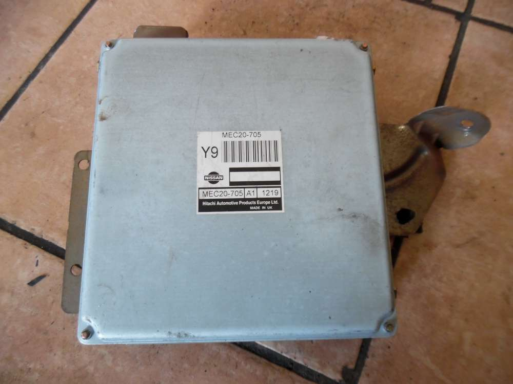 Nissan Almera Tino Motorsteuergerät MEC20-705