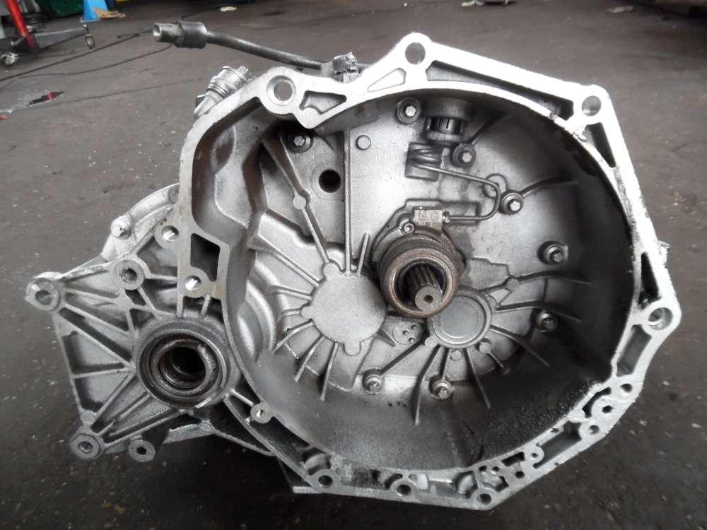 Nissan Almera Tino V10 2,2D Schaltgetriebe Getriebe 5-gang