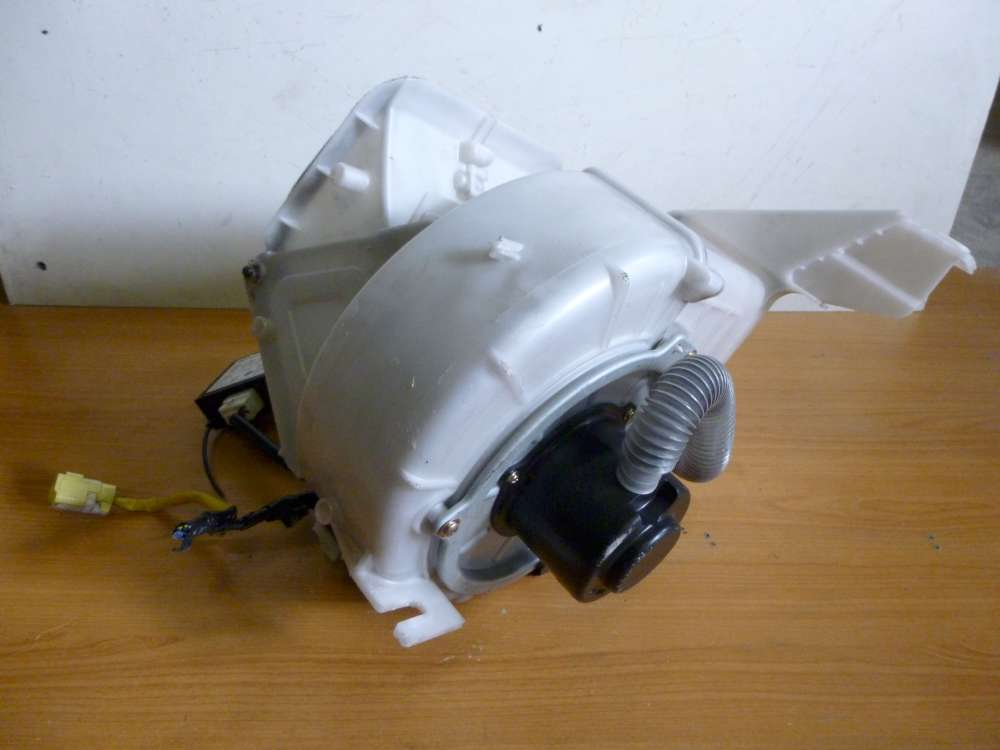 Mazda 626 IV Gebläsemotor Lüftermotor mit Steuergerät HB0216E4T / GE4T 67 5D2