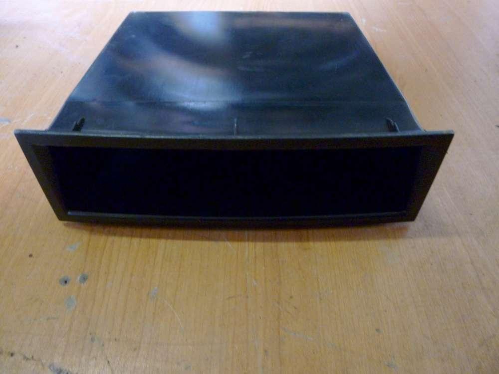 Seat Ibiza  Ablagefach Mittelkonsole Verkleidung Abdeckung  6L0857232