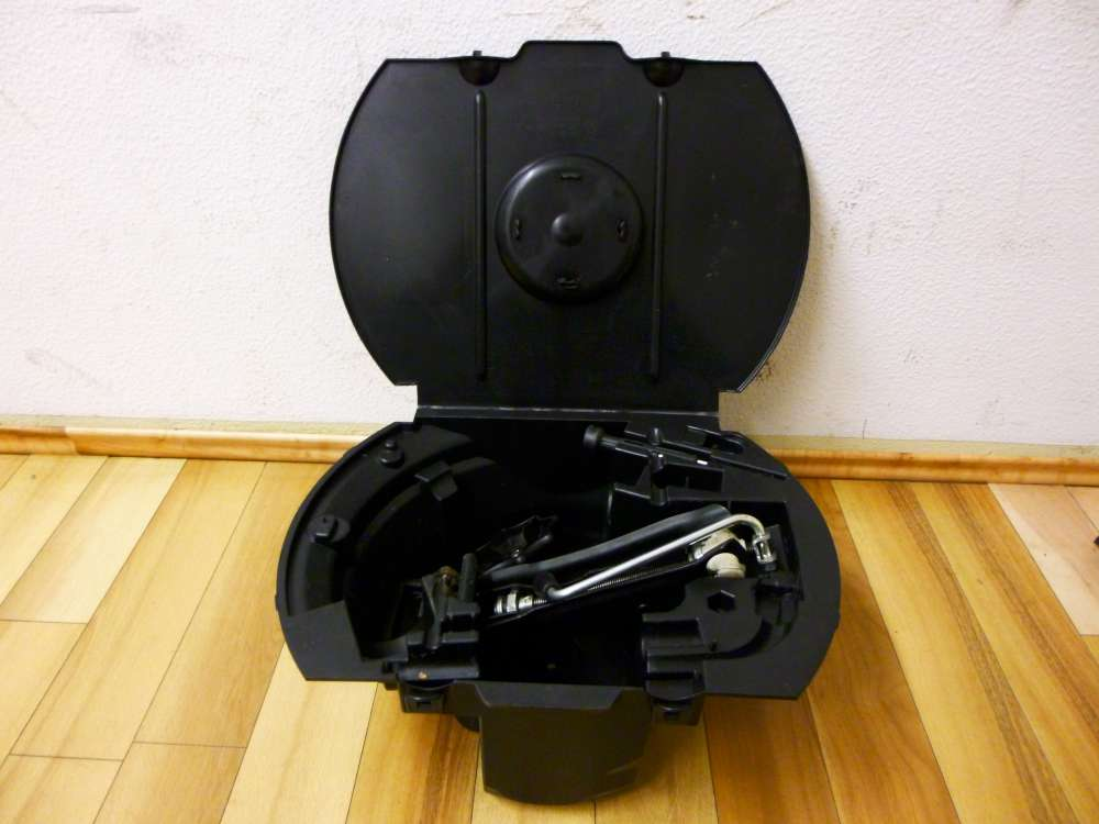 Skoda Fabia Wagenheber Bordwerkzeug Pannenset 6Q0012115F