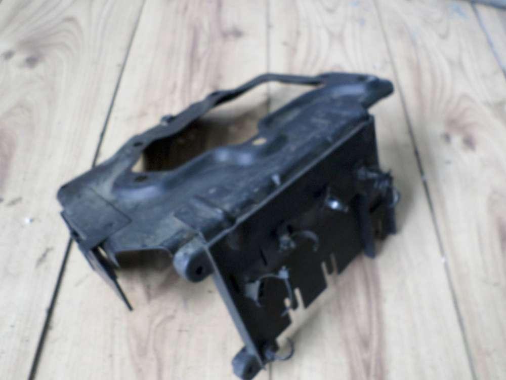 Opel Vectra B Batteriehalter 90569751
