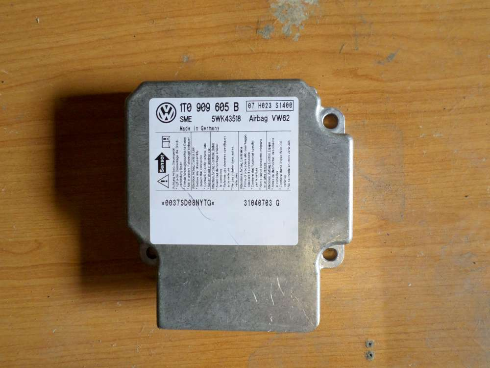 VW Touran bj 2004 Airbagsteuergerät Steuergerät 1T0909605B