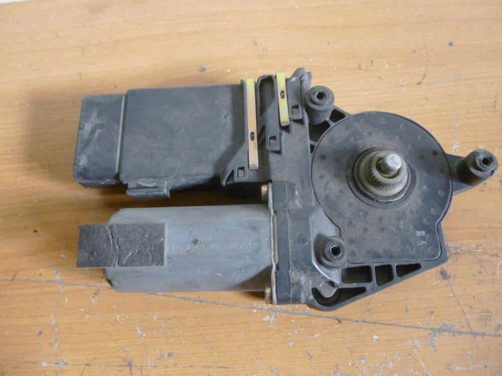 Skoda Octavia Bj.2002 Motor Fensterthermometer Fensterheber Hinten Rechts 0130821731