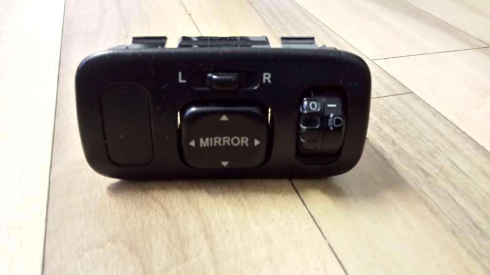 Toyota Yaris Verso Bj.2001 Schalter für Außenspiegel Spiegelschalter Schwarz 5250D2D / 5472D2D