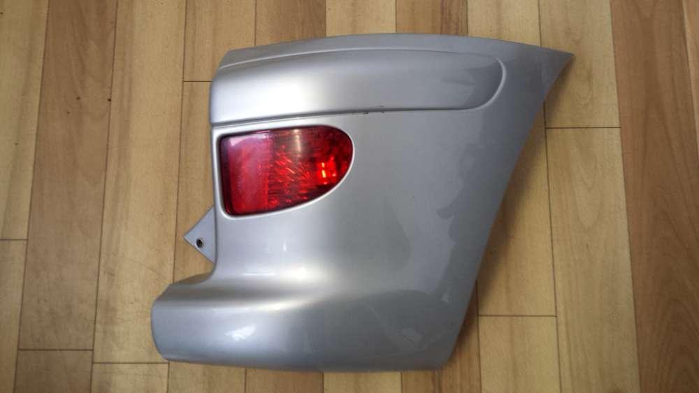 Toyota Yaris Verso Bj.1999-2005 Stoßstange hinten 52161- 52100/52110 mit Rücklicht Rechts 12V21W