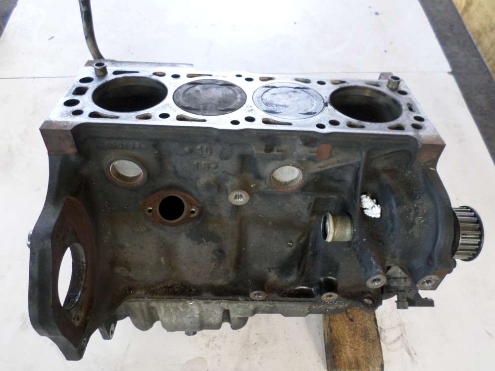 Opel Vectra B Bj.1998 Motor 9117  F 46  Motorblock