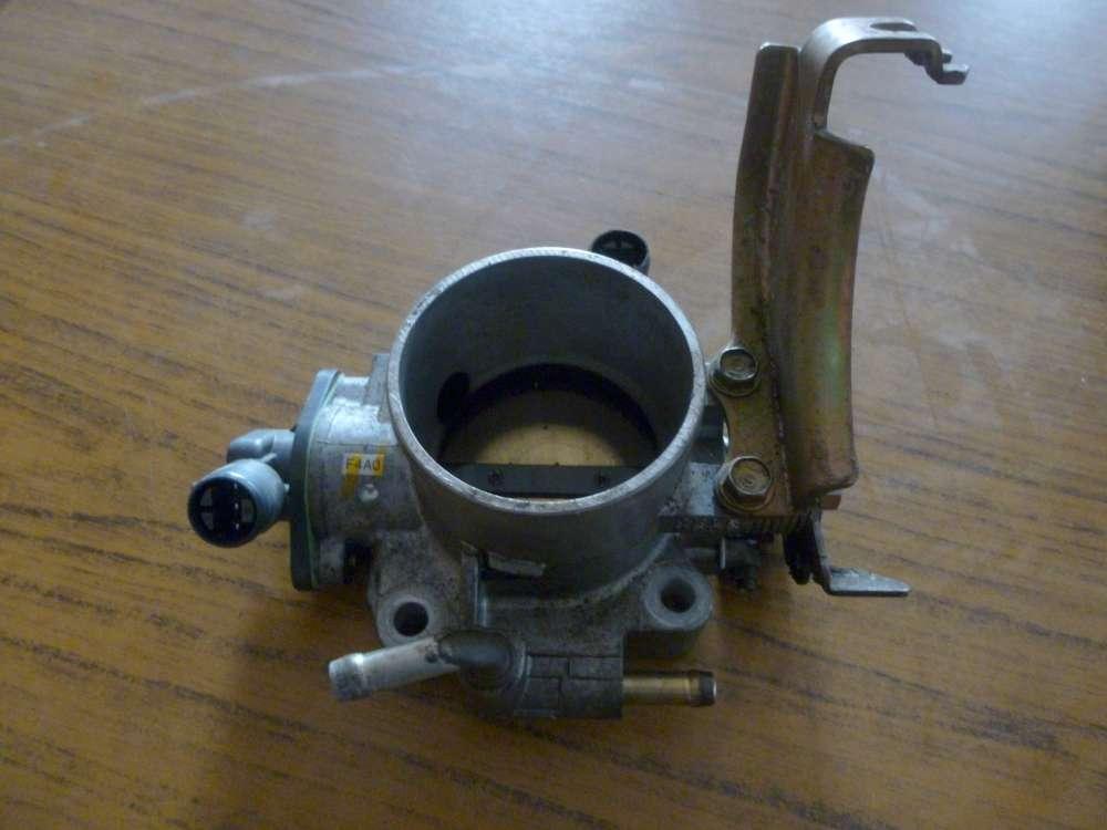 Honda RY-V Bj:2000 Drosselklappe 00127