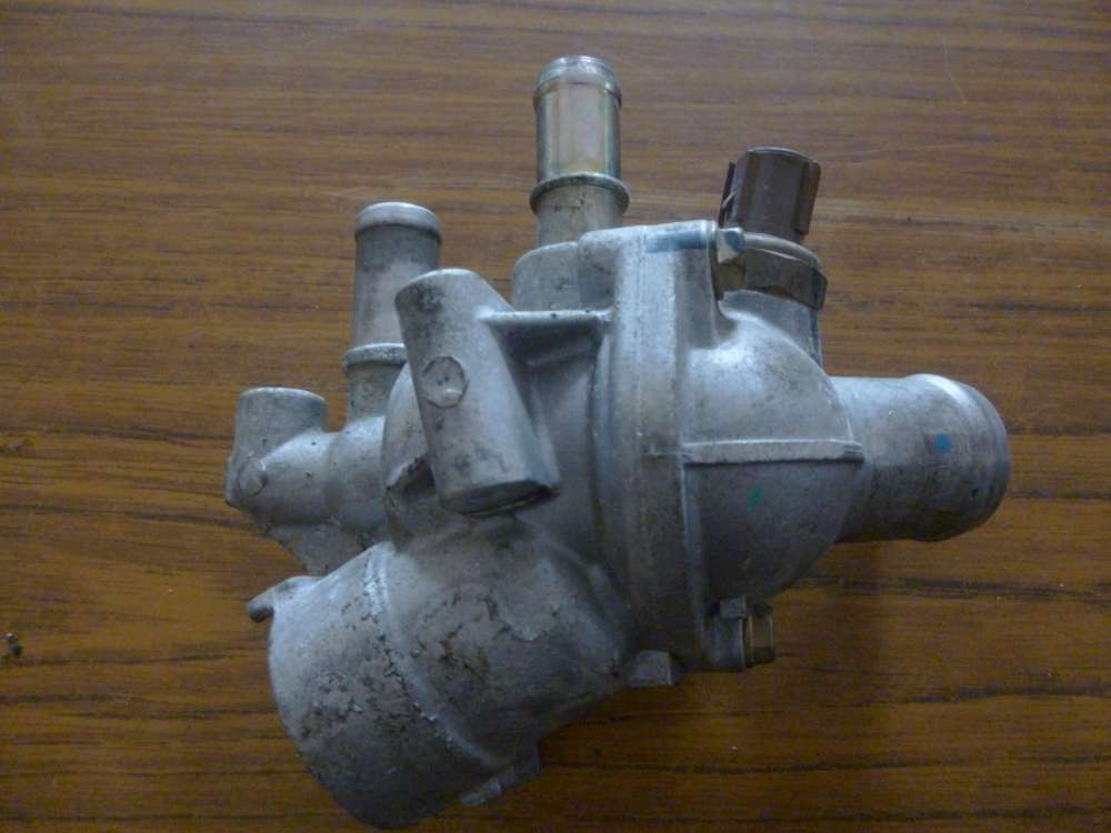 Honda RC-V Bj:2000 Thermostat Kühlwasserflansch
