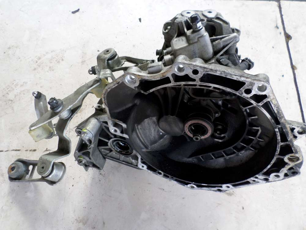 Opel Corsa C Bj 05 Getriebe Schaltgetriebe GM55355489 - 649354685 - 76000KM