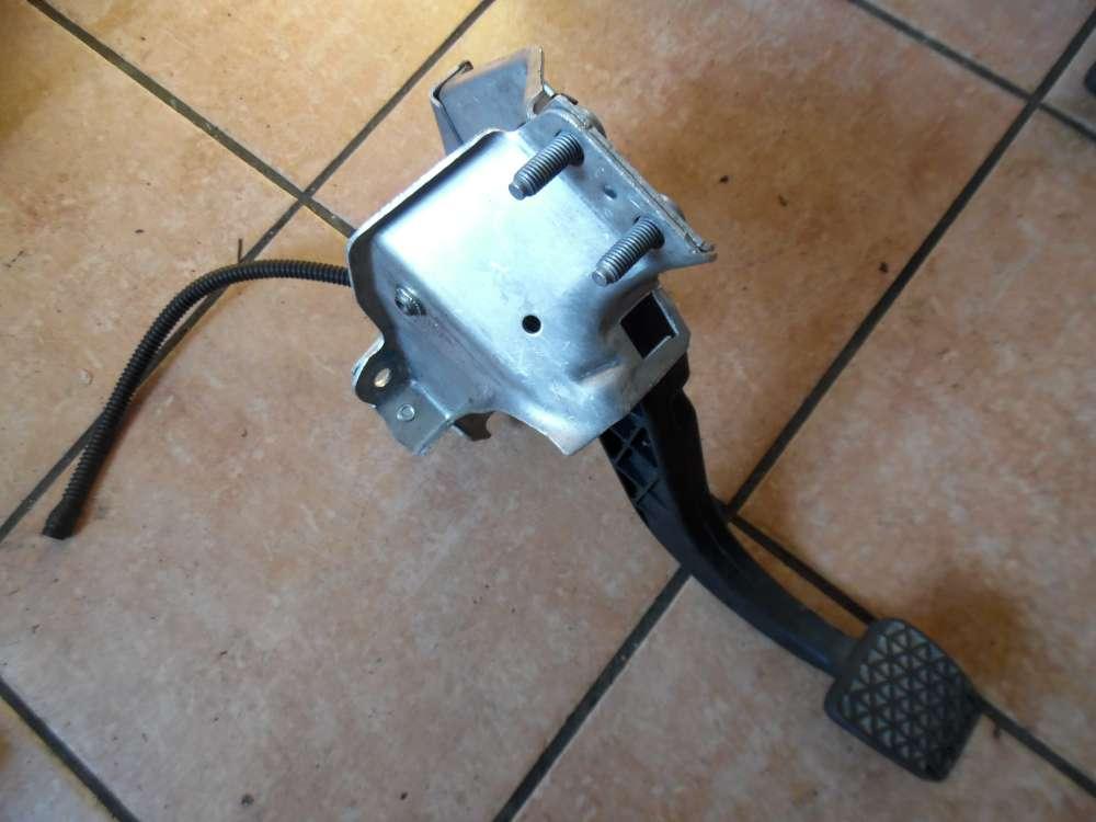Opel Corsa C Kupplungspedal Pedal 9156593