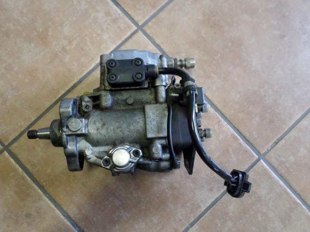 VW Passat Bj 1996 Original Einspritzpumpe Dieselpumpe 0460404994 028130109H