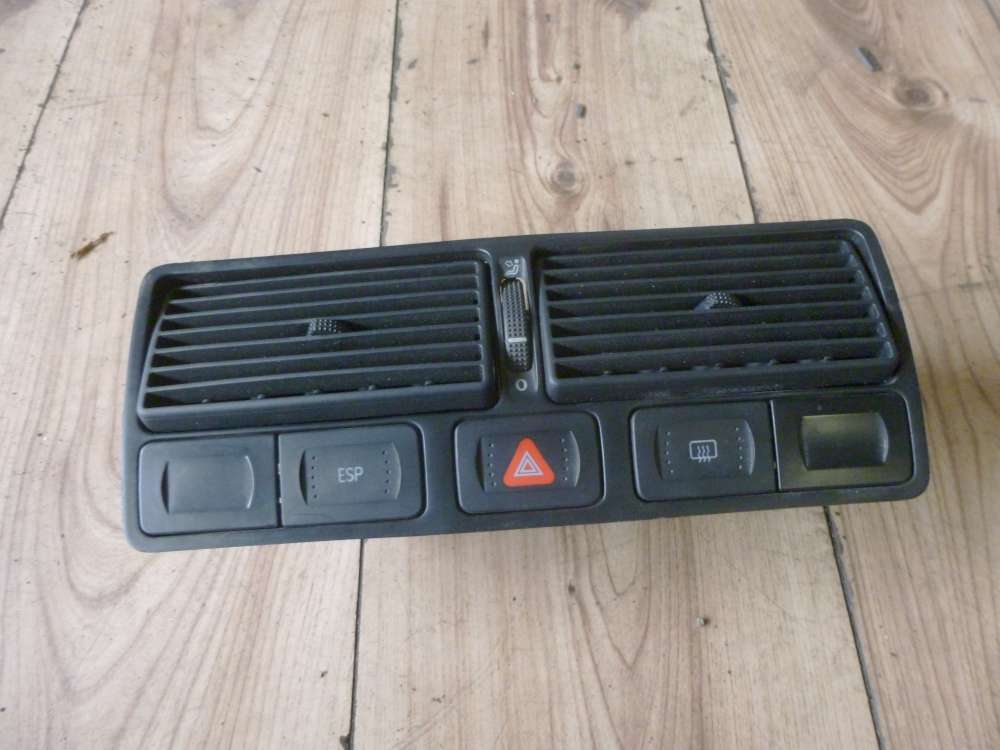 VW Golf 4 Luftströmer Luftdüse Mitte Amarturenbrett 1J0819728 C