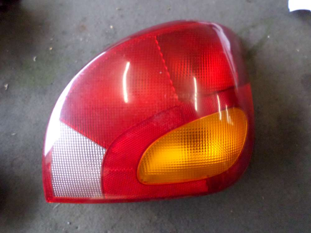 Original Mazda 121 Rückleuchte Heckleuchte Rechts 96FG13N004AA
