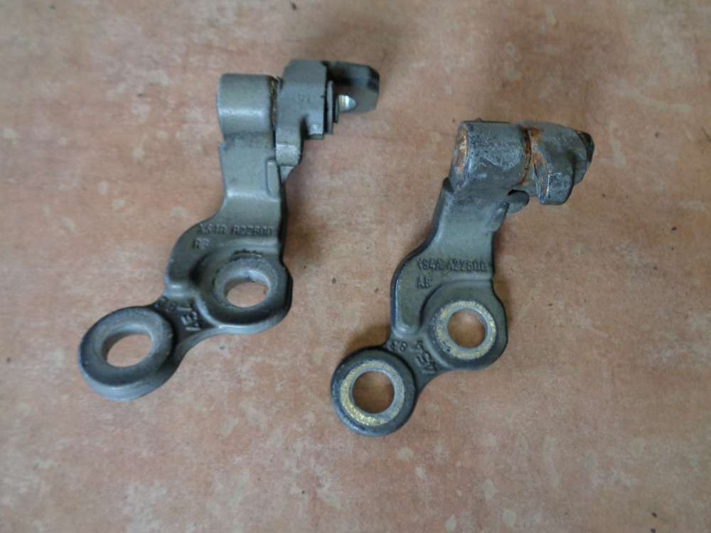 Ford Focus bj:2002 Türscharniere Scharnier Schwarz Vorne Rechts XS4AA22800
